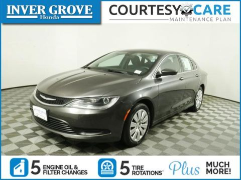Pre-Owned 2016 Chrysler 200 4dr Sdn FWD